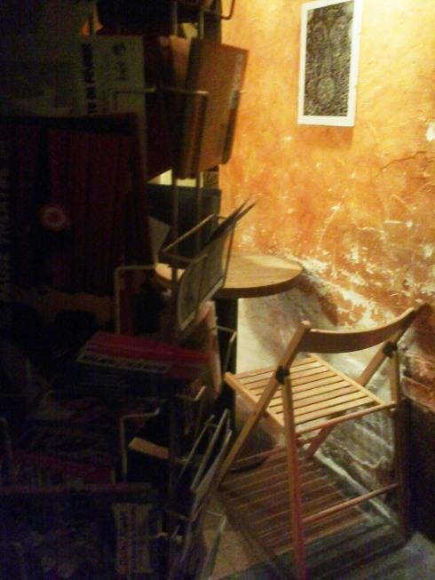 bar vins rennes l atelier de l artiste bobosvoientdouble. Black Bedroom Furniture Sets. Home Design Ideas