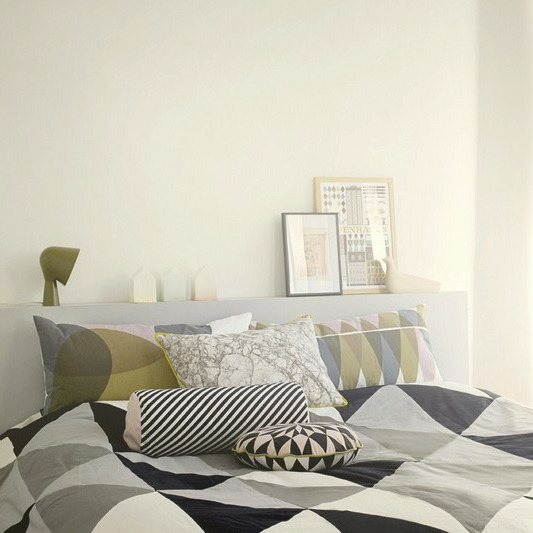 ferm_living_black_stripe_cylinder_chushion_bedreoom